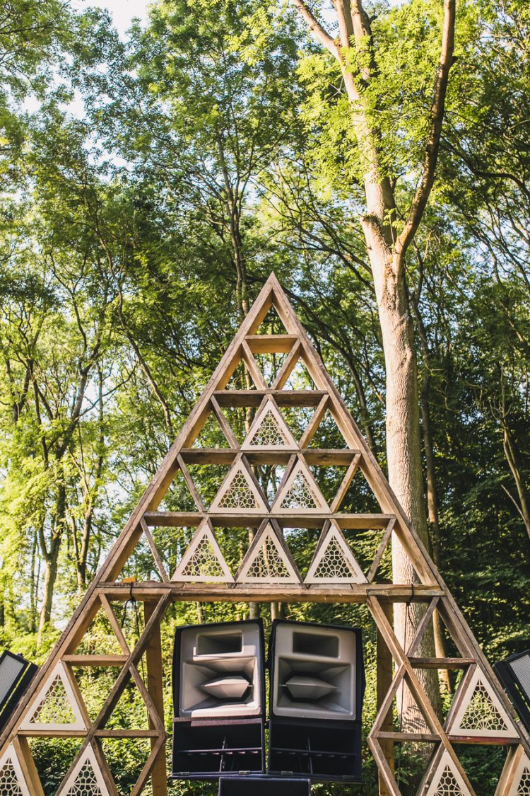a sound system placed in front of the Noisily Festival 2018 pyramid stage