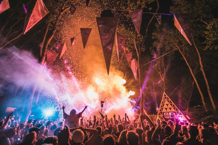 smoke rising from a music stage at Noisily Festival 2018