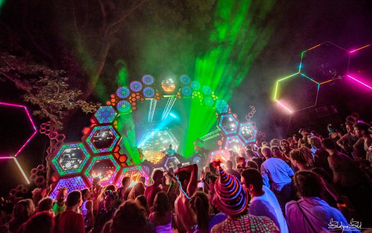 strobe lights shooting from the Liquid Stage at Noisily Festival 2018
