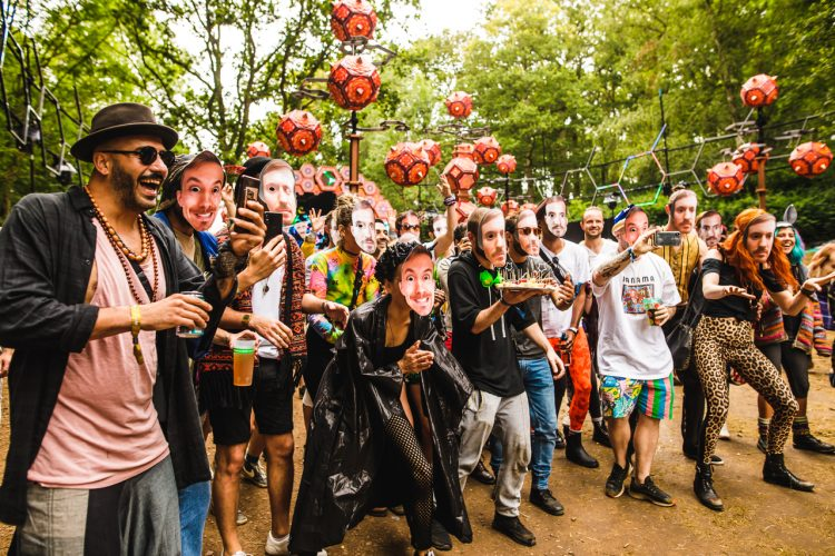 large group of male Noisily Festival 2019 attendees wearing face masks