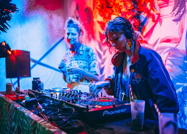 Two female DJ's playing with decks on a Noisily Festival 2019 stage