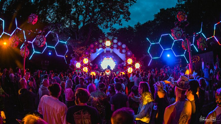Noisily Festival 2019 crowd watching glowing music stage at night