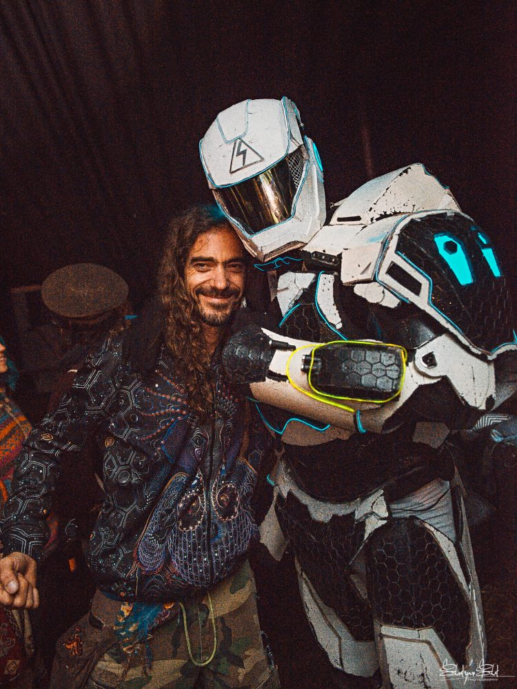 man with long hair posing with man in space trooper costume at Noisily Festival 2019