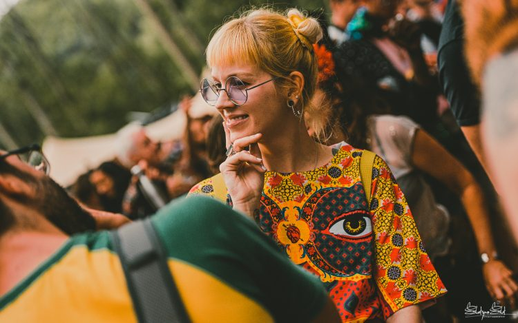 woman with sunglasses looking into the distance during Noisily Festival 2019