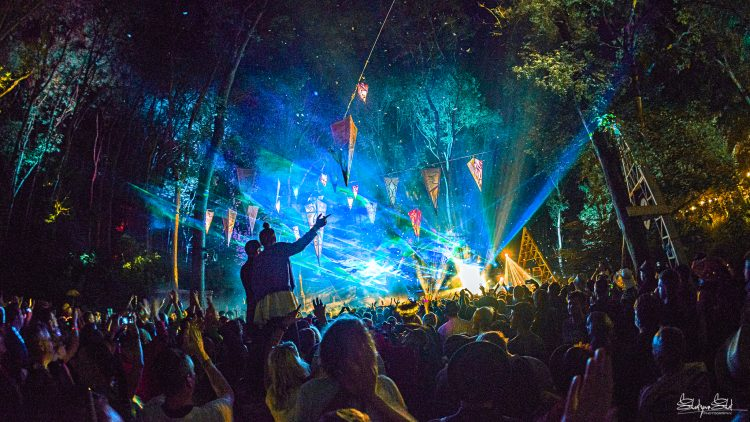 large Noisily Festival 2019 crowd watching the Noisily stage at night