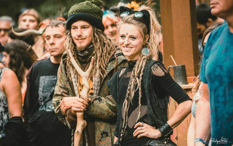 Woman and man with dreadlocks smiling at Noisily Festival 2019