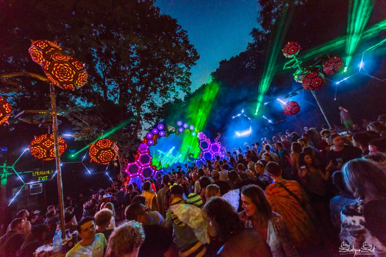 psytrance rainbow lights shining from Noisily 2018 liquid stage