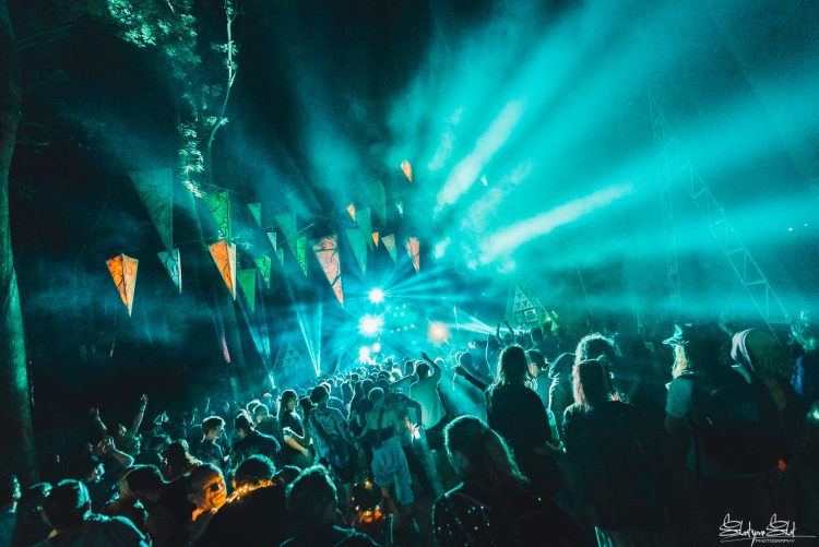 bright blue lights shining on Noisily Festival 2018 crowd