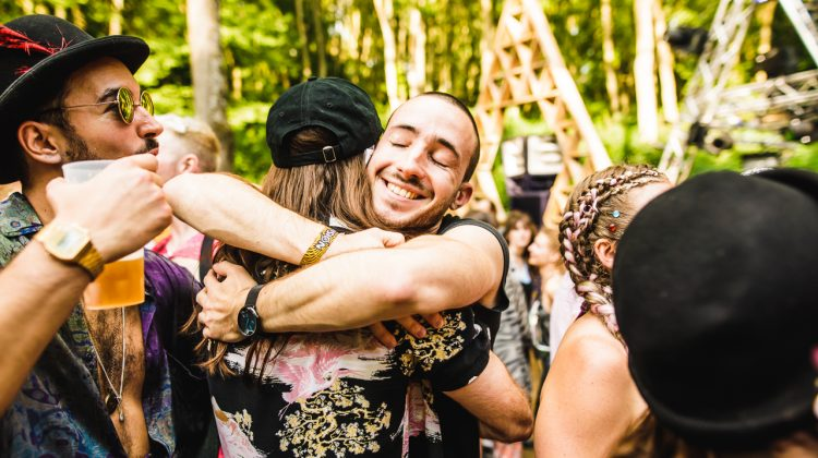 man embracing a woman in Noisily Festival 2019 crowd