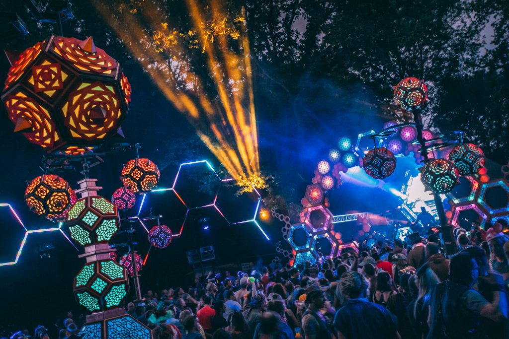 Noisily Festival 2019 crowd facing decorated music stage
